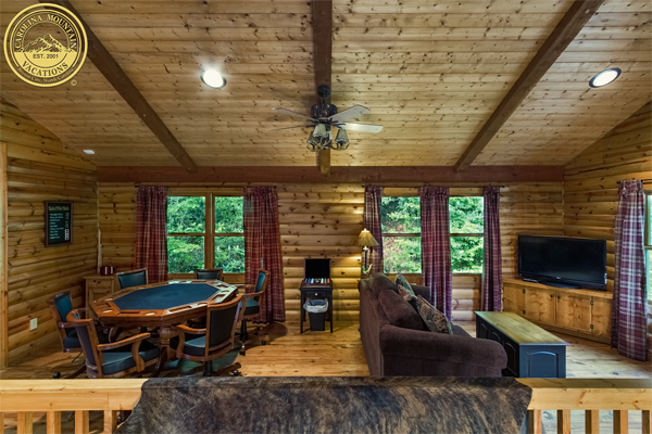 A River Paradise log cabin on the bank of the Tuckasegee River
