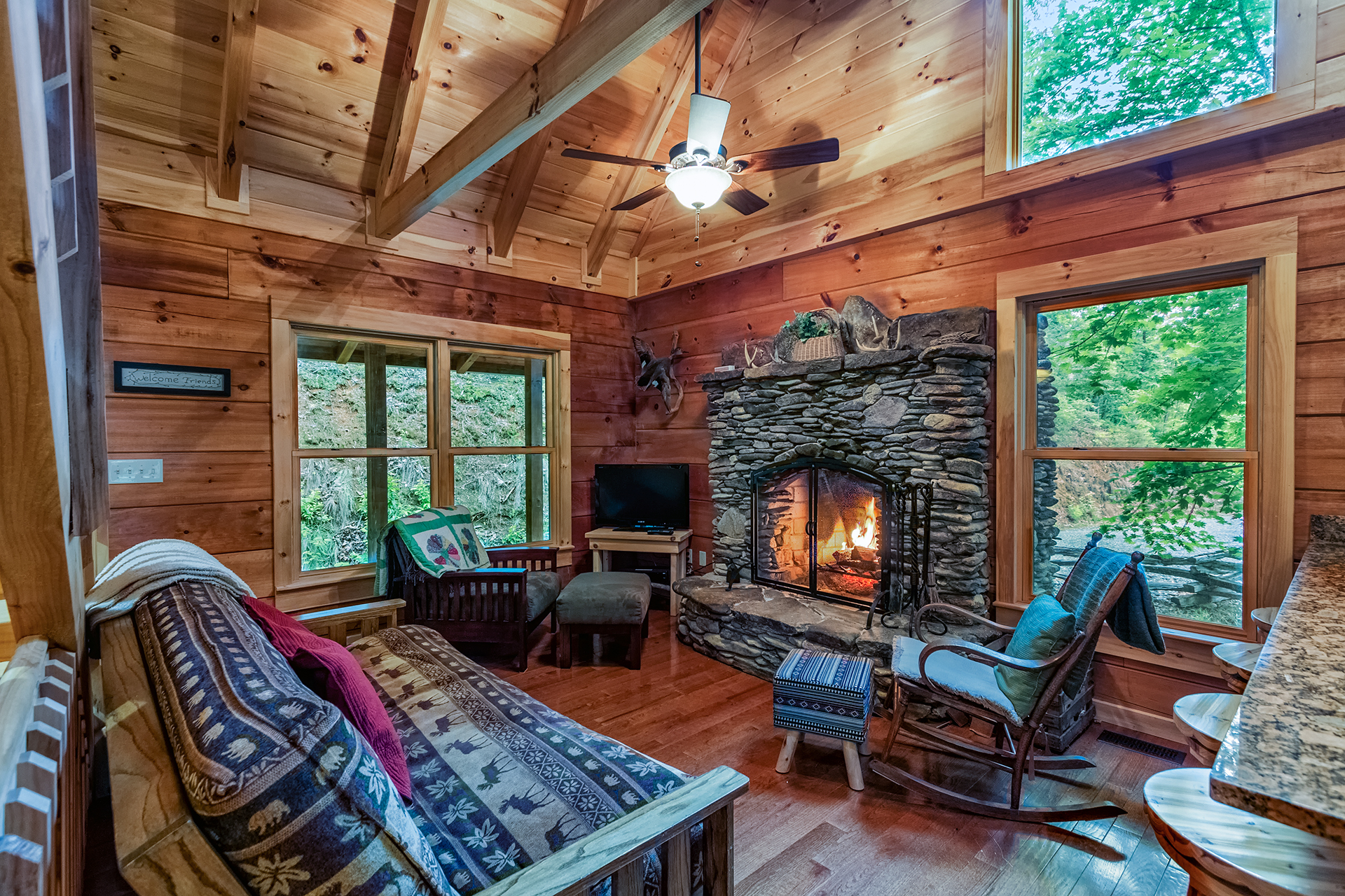Chimney Rock Log Cabin Bryson City Nc 2 Bedroom Info By