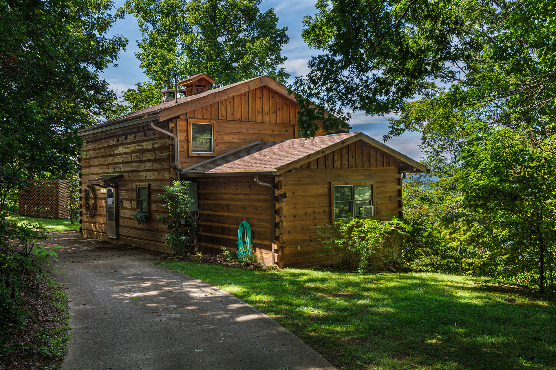 home city rentals the bryson views with asp cabins vacation deep nc summit near room rental creek game cabin mountain