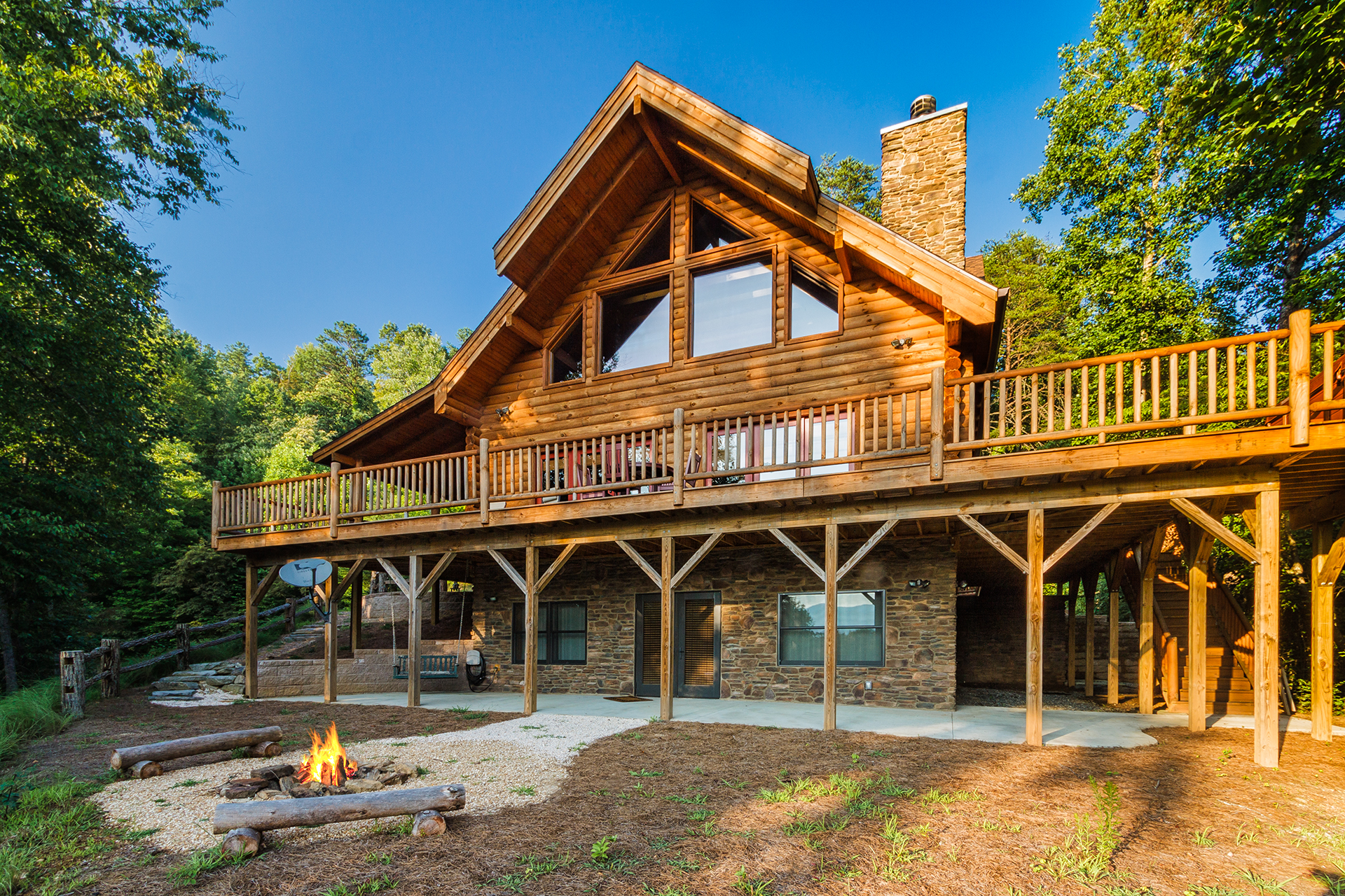 Peaceful paradise smoky mountain log cabin vacation rental for Deals gap cabin rentals