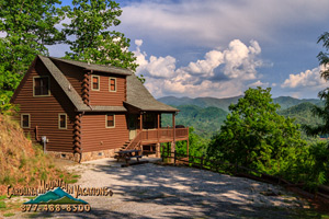 Indian Summer 3 bedroom with mountain views and game room