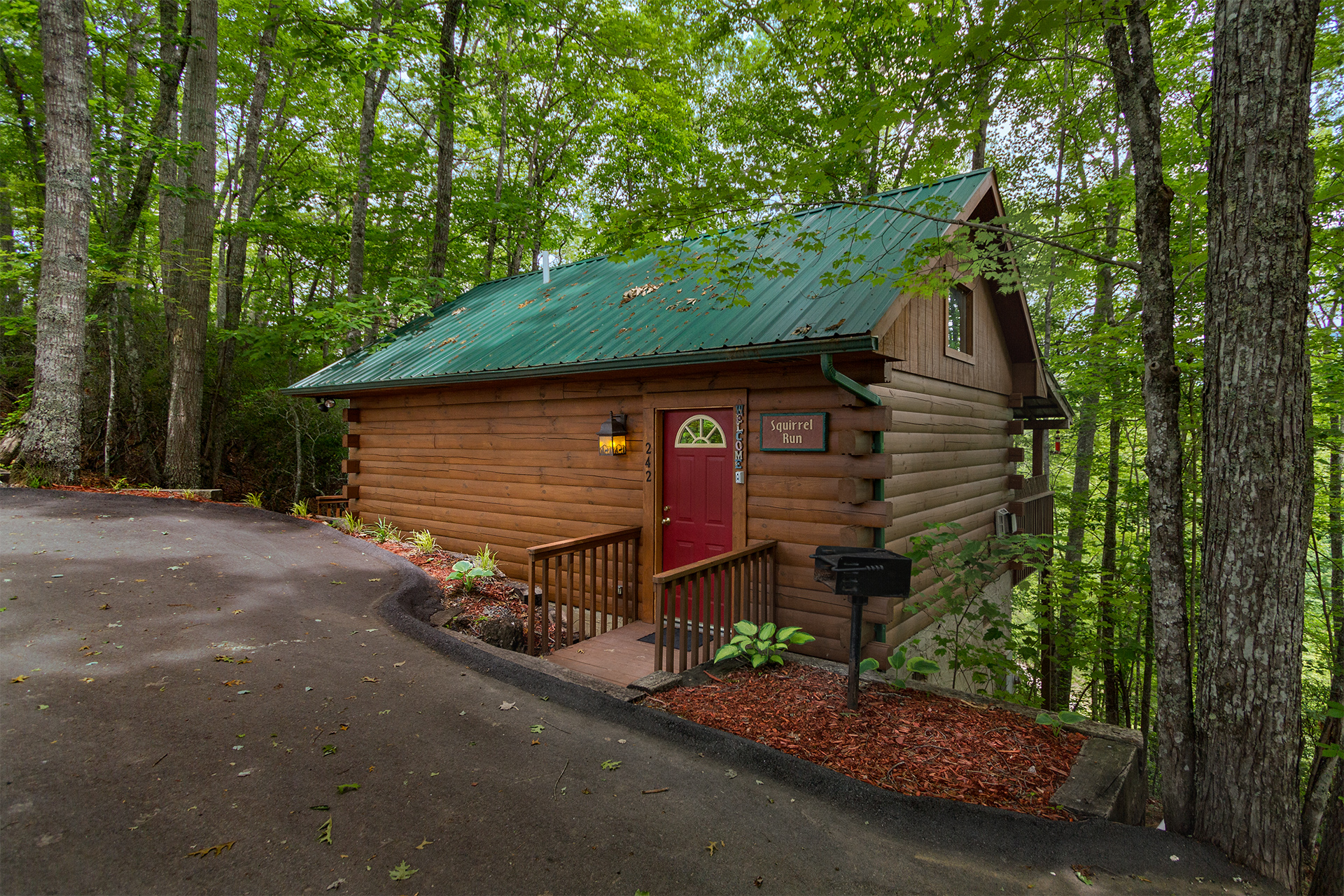 Cherokee cabin rentals cabins in the smoky mountains for Cabin rentals near smoky mountains